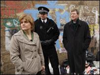 Nicola Sturgeon, Kenny MacAskill and police officer in Govan
