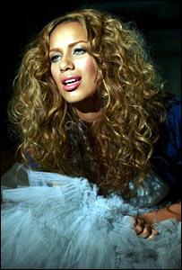 Leona Lewis on the video shoot