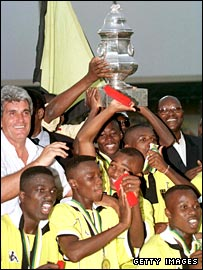 ASEC celebrate winning the African Super Cup in 1999