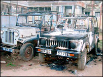 Burnt-out vehicles in Orissa (16/02/08)