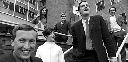 David Frost, Julie Felix, Sheila Steafel, Ronnie Barker, John Cleese and Ronnie Corbett