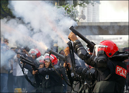 Malaysian riot police fire tear gas, 16 February 2008