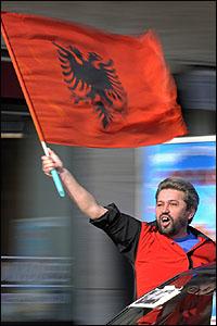 كوسوفي يحتفل بالاستقلال في سويسرا