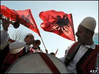 Albanian musicians in Pristina on 17 February 2008