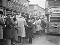 London Transport buses in 1930s