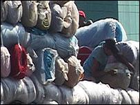 Textiles es sólo uno de los rubros que se comercializan en las más