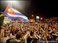 Cubans in Miami celebrate after hearing Castro had temporarily stepped down (31/07/2008)