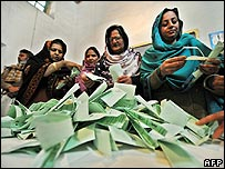 Votes being counted in Pakistan