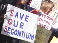 Canolfan Segontium protest sign
