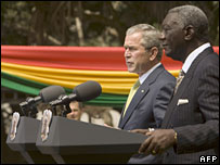 US President George W Bush and Ghanaian President John Kufuor in Accra, Ghana