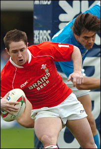 Shane Williams says that Wales may need patience against Italy