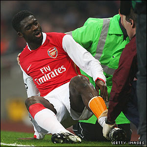 Arsenal's Kolo Toure picks up an injury