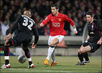 Manchester United's Cristiano Ronaldo launches an attack