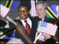 US President George Bush with Tanzanian President Jakaya Kikwete at Sar es Salaam airport