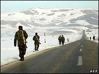 جنود اتراك قرب الحدود العراقية