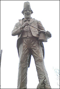 The statue of Tommy Cooper