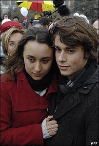 Melanie y Lorenzo, los hijos de Ingrid Betancourt