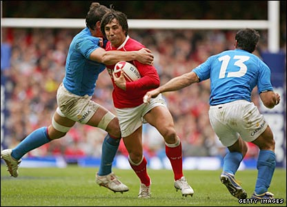 Wales' Gavin Henson in action against Italy in Cardiff