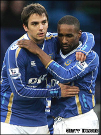 Kranjcar and Defoe celebrate