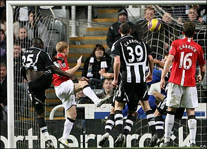 Newcastle United's Abdoulaye Faye scores his sides first goal of the match