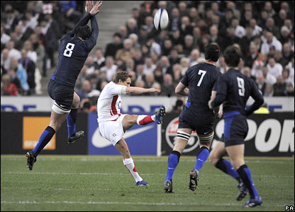 Jonny Wilkinson increases England's lead
