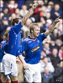 Rangers goalscorer Steven Naismith (right) celebrates