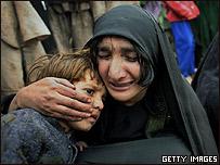Bibijan llora la muerte de su hija. Se inmol� dejando a ocho hijos.