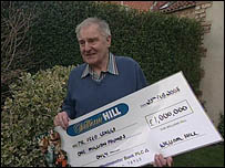 Fred Craggs with his display cheque