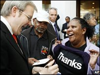 Kevin Rudd with Aboriginal woman 13.02.08