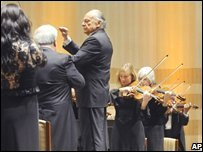 Music Director Lorin Maazel conducts the New York Philharmonic Orchestra in a rehearsal at East Pyongyang Grand Theatre, North Korea (26/02/2008)