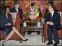 US Secretary of State Condoleezza Rice (L) and Chinese Prime Minister Wen Jiabao in Beijing, China (26/02/2008)