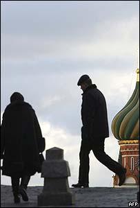 Rusos en Plaza Roja, Moscú.