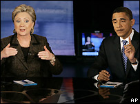 Hillary Clinton (left) and Barack Obama at the debate in Cleveland, Ohio, 26 February 2008