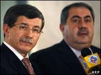 Ahmet Davutoglu (left) and Iraqi Foreign Minister Hoshyar Zebari 27.02.08
