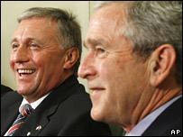 Mirek Topolanek and George W Bush in Washington (27 February 2008)