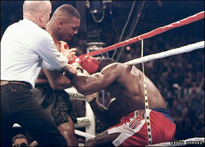 Mike Tyson stops Frank Bruno