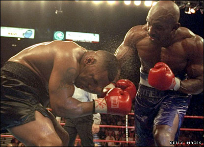 Holyfield goes on the attack against Tyson