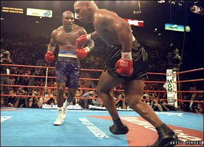 Tyson is wobbled in the 10th