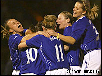 Everton celebrate Amy Kane's seventh-minute goal