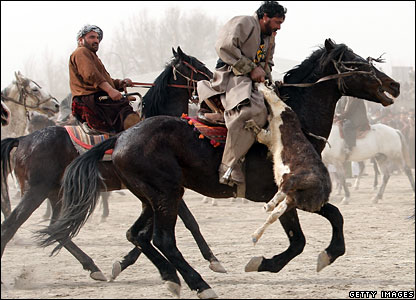 Afghans play Buzkashi in Kabul, 29 February 2008