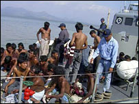 People attempting to leave Burma by boat