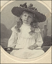 Edwardian child (pic by Museum of Childhood)