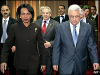 Condoleezza Rice and Mahmoud Abbas in Ramallah (4 March 2008)