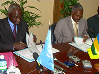 ICTR's Adama Dieng (l) and Rwanda's Foreign Minister Charles Muligande (r)