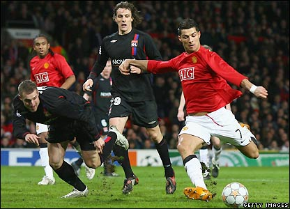 Ronaldo prepares to score the first goal