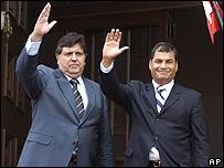 Alan Garcia, presidente de Per�, y Rafael Correa, presidente de Ecuador.