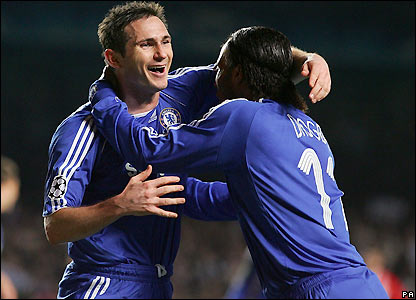 Lampard celebrates his goal with Didier Drogba