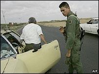 Soldado venezolano en la frontera con Colombia.