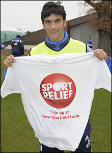 Chelsea's Paulo Ferreira shows off his Sport Relief Tee Shirt