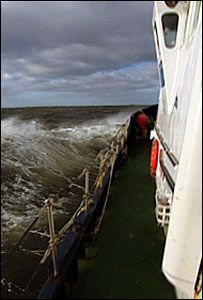 Gemini Explorer ploughs through waves. (Pic: Norman Strachan)